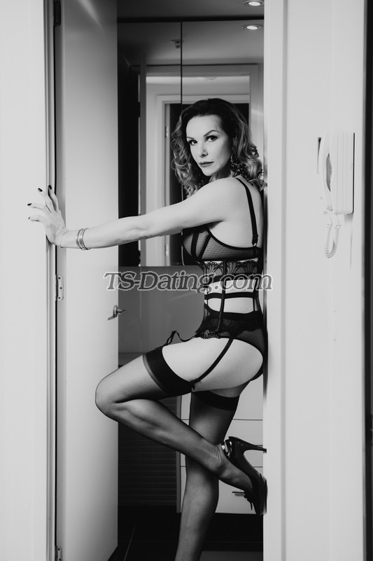 oldvsyoung shemale escorts in adelaide