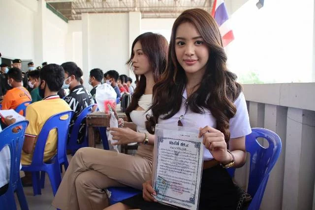 Transwoman's praise for military service opens front in Thai draft debate - Coconuts
